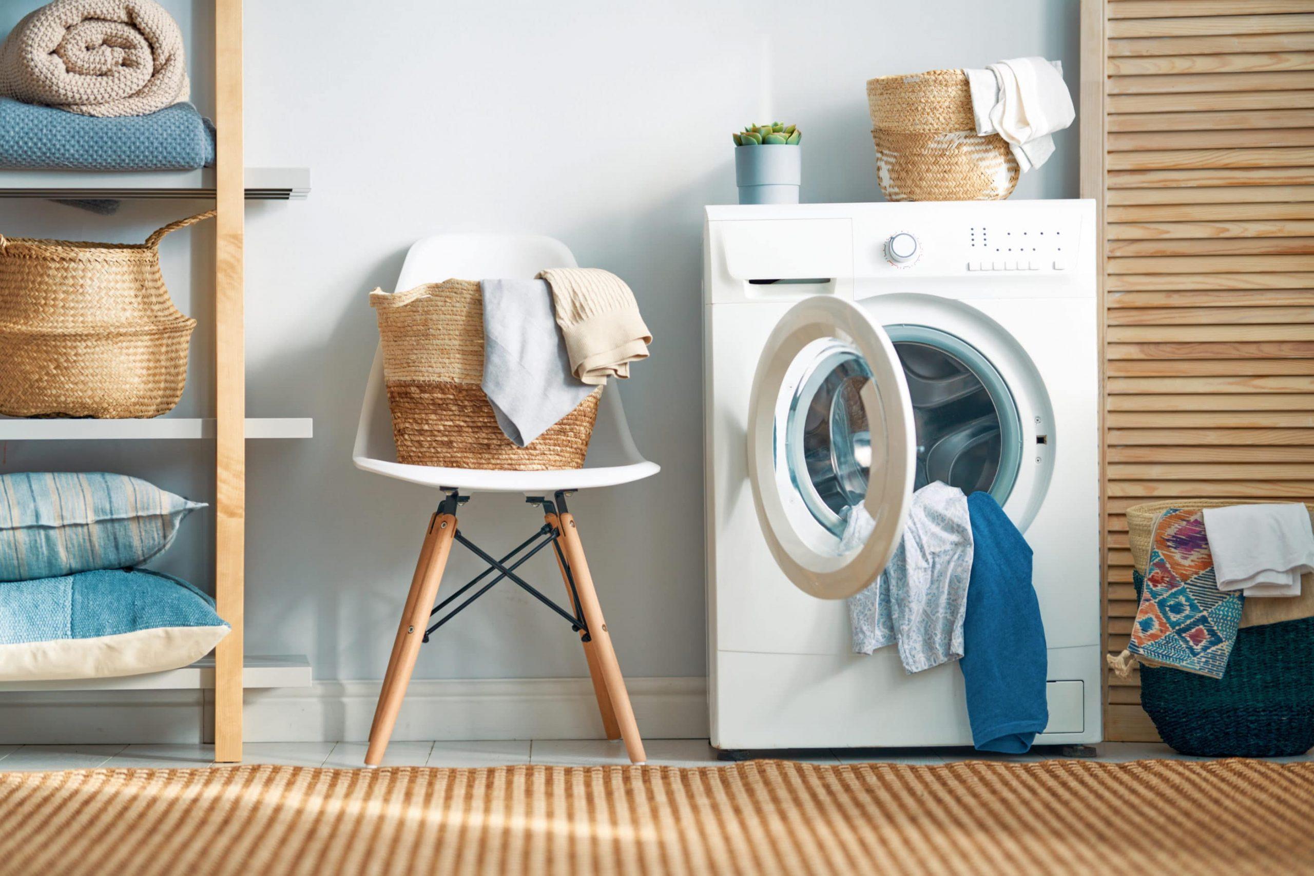 اصلاح ایرادهای کوچک لباسشویی توسط مشتری
